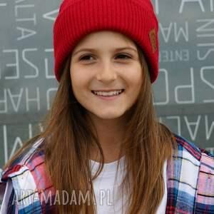 czerwona czapka dziecięca logo ekoskórka, czapka czerwony, sportowa,