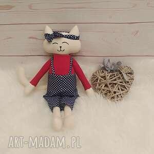 handmade pomysł na upominek świąteczny kociak tilda przytulanka