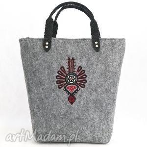 Torebka filcowa z pojedyńczą parzenicą, torebka do ręki., filc, torba,