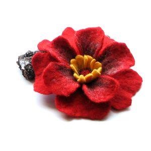 handmade broszki red.