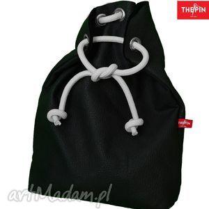 plecak czarny, stylowy, wygodny, ciekawy, oryginalny, wielofunkcyjny, nowoczesny