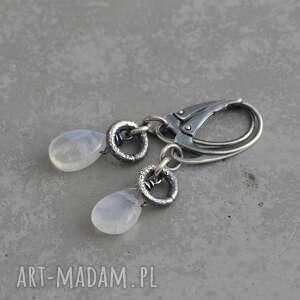 kamień księżycowy. Srebrne kolczyki - 048