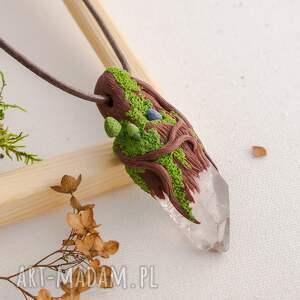 Wisior leśny z kryształem i lapisem lazuli, wisior, fimo, lapislazuli, kryształgórski