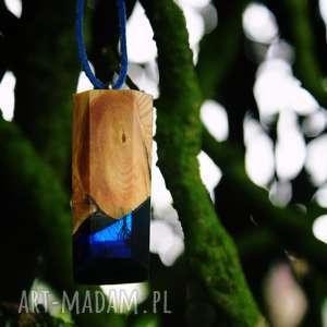 wisior lone evening sky, naszyjnik, drewno, las, leśny, żywica, magiczny