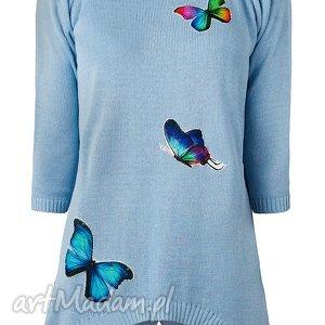 świąteczne prezenty, sweterek z naszywkami, aplikacje, naszywki, motyle, dzianina