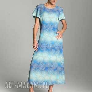 długa letnia sukienka trapezowa w kolorze błękitno-turkusowym ze złotą mandalą