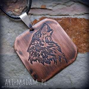 Wisior z trawionej miedzi - Wilk, wilk, wyjący, wilki, męski, wisiorek, miedź
