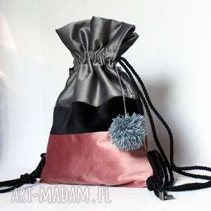 Prezent Plecak BBAG Pom Pom, prezent, welurowy, zamszowy, aksaminty, worek, plecak
