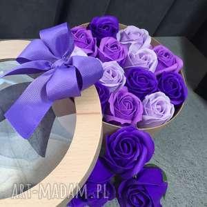 box kwiaty z mydła oryginalny prezent, super prezent, eleganckie mydełko