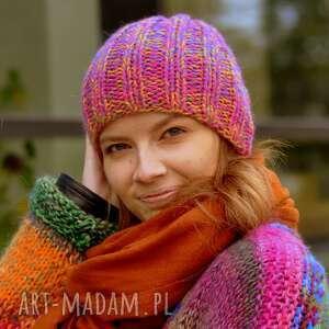 świąteczny prezent, czapka multicolor, czapka, na drutach, kolorowa
