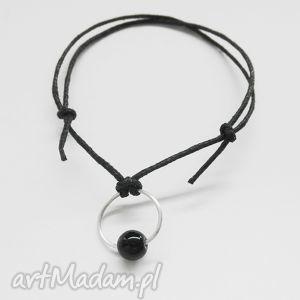 okrąg bransoletka, srebro, kamień, sznurek bransoletki biżuteria