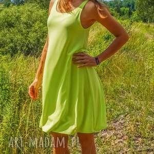 sukienki sukienka neon dress pistacjowa na ramiączkach, zwiewna sukienka