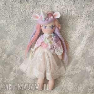 tęczowa bajka - lalka purpura - jednorożec, lalka, bajka, pelerynk, tęczowa