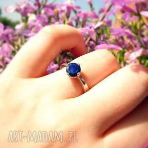 lapis lazuli na srebrnej obrączce, srebrny pierścionek, klasyczny pierścionek