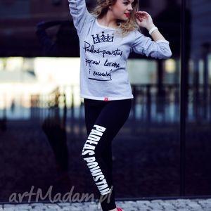 młodzieżowe legginsy czarne z napisem do biegania, dobiegania, nasiłownie, trening