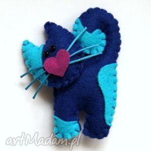 granatowy kotek - broszka z filcu, filc, kot, miękki, modny, lekki, dziecko
