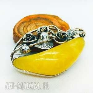 hand-made broszki piękna srebrna broszka z mlecznym bursztynem bałtyckim