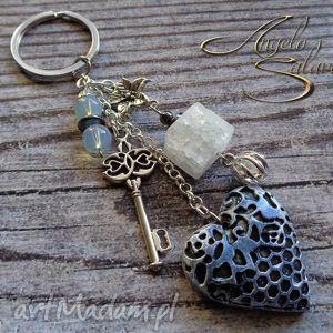 breloki brelok do kluczy lub torebki serce i kryształ lodowy, brelok, breloczek