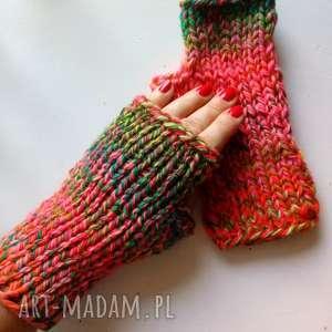 kolorowe wełniane mitenki, wełniane, rękawiczki, nadrutach, kobiece