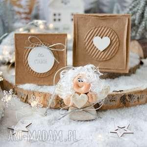 Pomysł na prezent pod choinkę? Świąteczny aniołek w pudełeczku