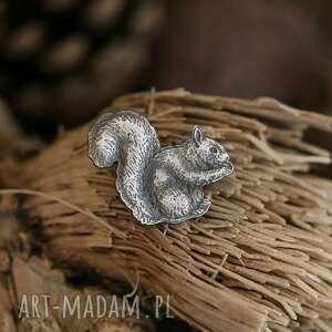 Cztery Humory: wiewiórka broszka ze srebra, biżuteria ze zwierzętami, pin wiewiórka