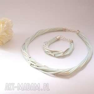 komplet w bieli z metalowymi przekładkami, komplet, naszyjnik, bransoletka, lato