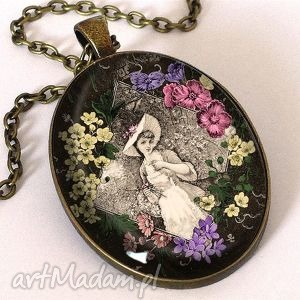 dziewczyna w stylu retro - owalny medalion z łańcuszkiem, retro, dziewczyna, vintage