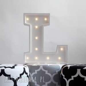 podświetlana literka l - lampka, lampa, dziecko, typografia, sypialnia