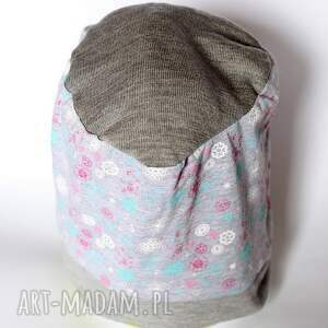 czapka przyniósł mi na klacie wspomnienie o wypłacie, czapka, dresowa, wiosenna, mama