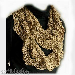szal ażurowy dukatowe złoto - elegancki, szydełkowy