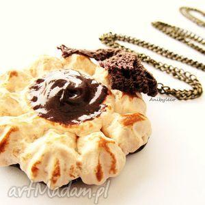 naszyjnik ciacho z kremem czekoladowym, naszyjnik, ciasto, ciastka, modelina, fimo