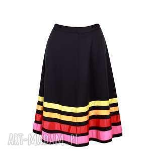 kasia miciak design trapezowa spódnica w pasy warm, midi, czarna