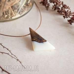 wisiorki sile - geometryczny wisior z drewna i białej żywicy, wisior, wisiorek