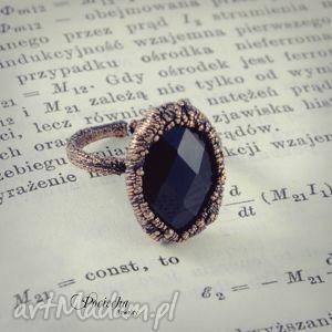 ręczne wykonanie pierścionki black crystal - pierścionek