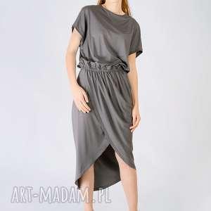 stalowa sukienka z marszczeniem, minimalizm, dzianinowa, stalowa, rzymska, drapowana