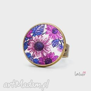 ręcznie robione obrączki pierścionek kwiatowy