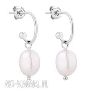srebrne kolczyki z naturalnymi perłami - półkola, nieregularne