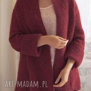 Lekki kardigan w rubinowej ciemnej czerwieni, sweter, kardigan, dziergany, wełniany,