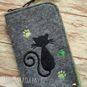 filcowe etui na telefon - kotek, smartfon, pokrowiec, kot, kropeczki, koraliki
