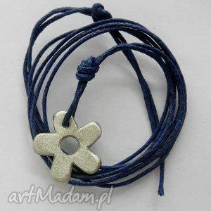 KWIAT wisiorek, alpaka, sznurek, kwiat