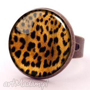 gepard - pierścionek regulowany - cętki, szklany, prezent