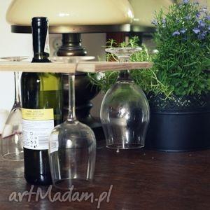 element basniowy wprowadzam i wino schładzam, deska, wino, prezent, ogrod