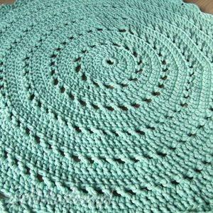 Okrągły dywan w kolorze mięty z bawełnianego sznurka, dywan, szydełko, mięta, sznurek