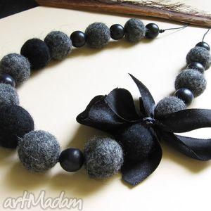 Czarne z kokardą korale judithbijoux naszyjnik, korale, filc