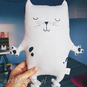 zapetlona nitka kotek przytulaczek, kot, kotek, cat, przytulanka, miś, zabawka dla