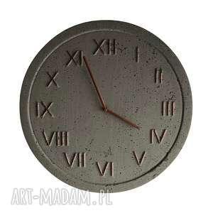 zegar ścienny betonowy handmade z betonu szary miedziany modny na prezent