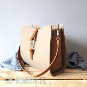 torebka na ramie catoolabel 210, minimalistyczna, elegancka, skórzana, filcowa