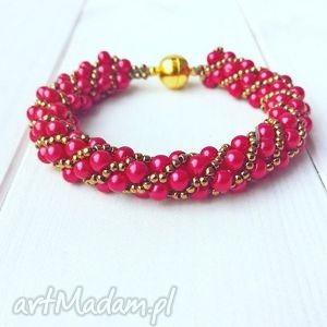 czerwona perłowa złota bransoletka elegancka, perłowa, wyrazista