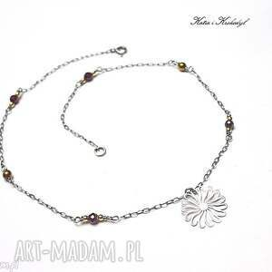 astry - naszyjnik, srebro, delikatny, krótki, romantyczny, granaty, świąteczny