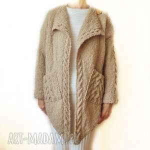 asymetryczny, elegancki sweter kardigan handmade, robiony na drutach nude